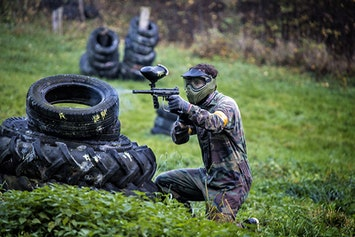 Paintballing with 100 Balls