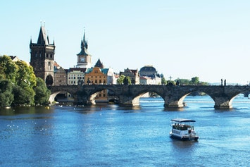 Private River Cruise with Unlimited Drinks Vox Travel